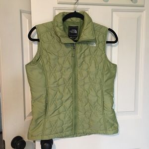 WOMENS GREEN PUFFER NORTH FACE VEST SMALL S